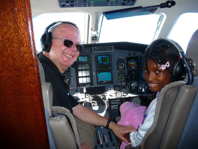 haiti relief flight daphka co-pilot pilatus pc-12