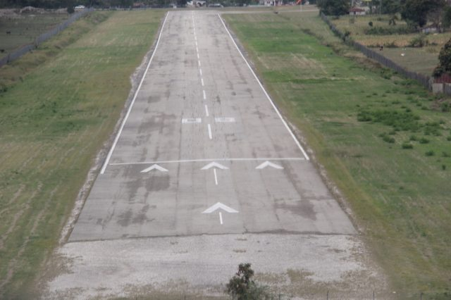 On Short Final RWY 8 - Les Cayes MTCA Airport