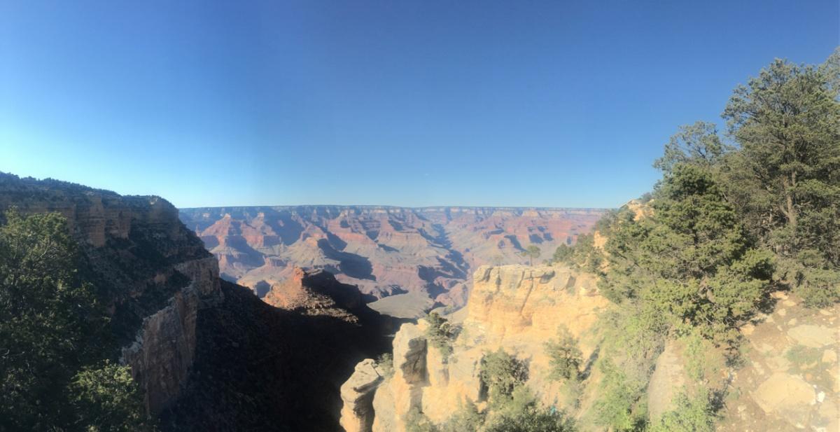 Setting sun on the canyon walls