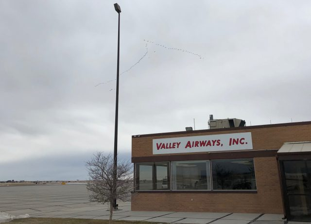 Valley Airways Scottsbluff NE KBFF - Birds Flying North Overhead