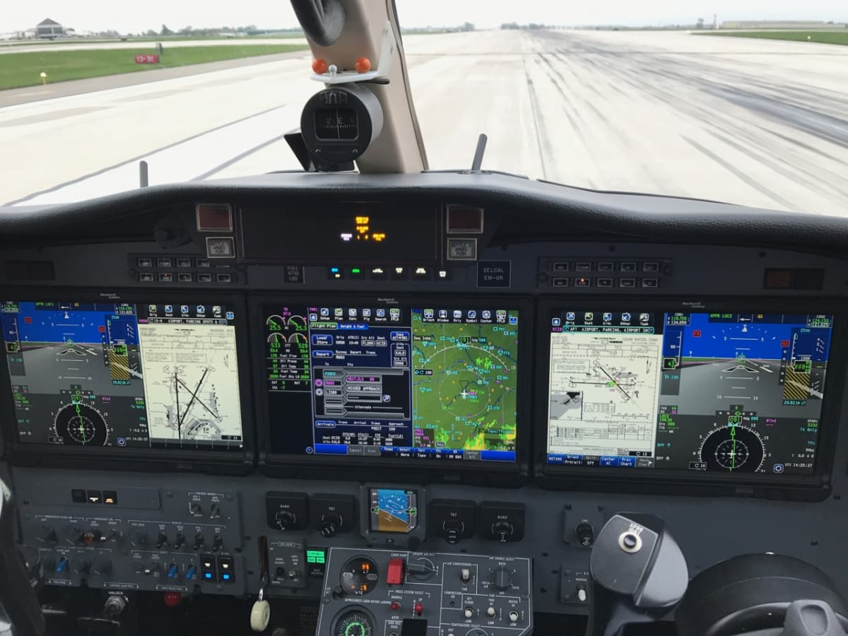 advanced aircraft training citation cj3 cockpit